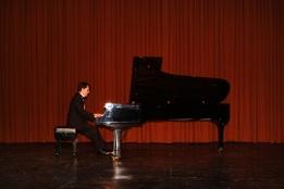 Sergio Bernal playing